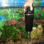 Как чистить дно в аквариуме с грунтом: описание,фото,видео.